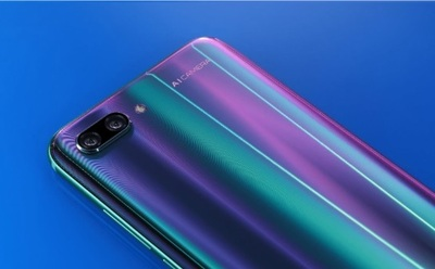Honor 10 Phantom Green : la nouvelle version boostée disponible en pré-commande